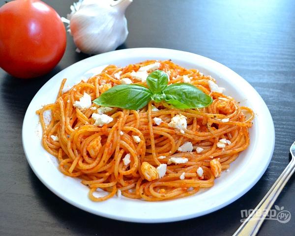 Спагетти с томатной пасто...